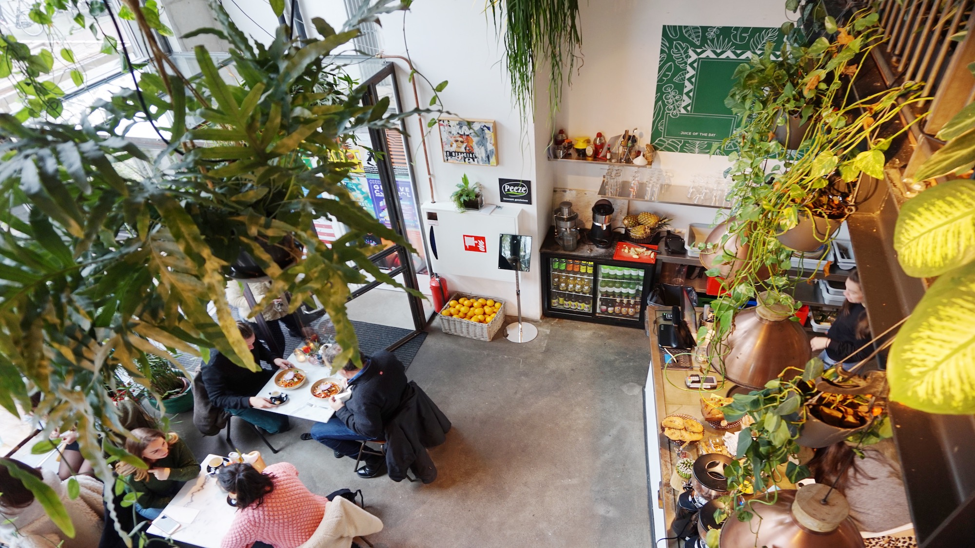 Benji's: de urban jungle in de Wibautstraat