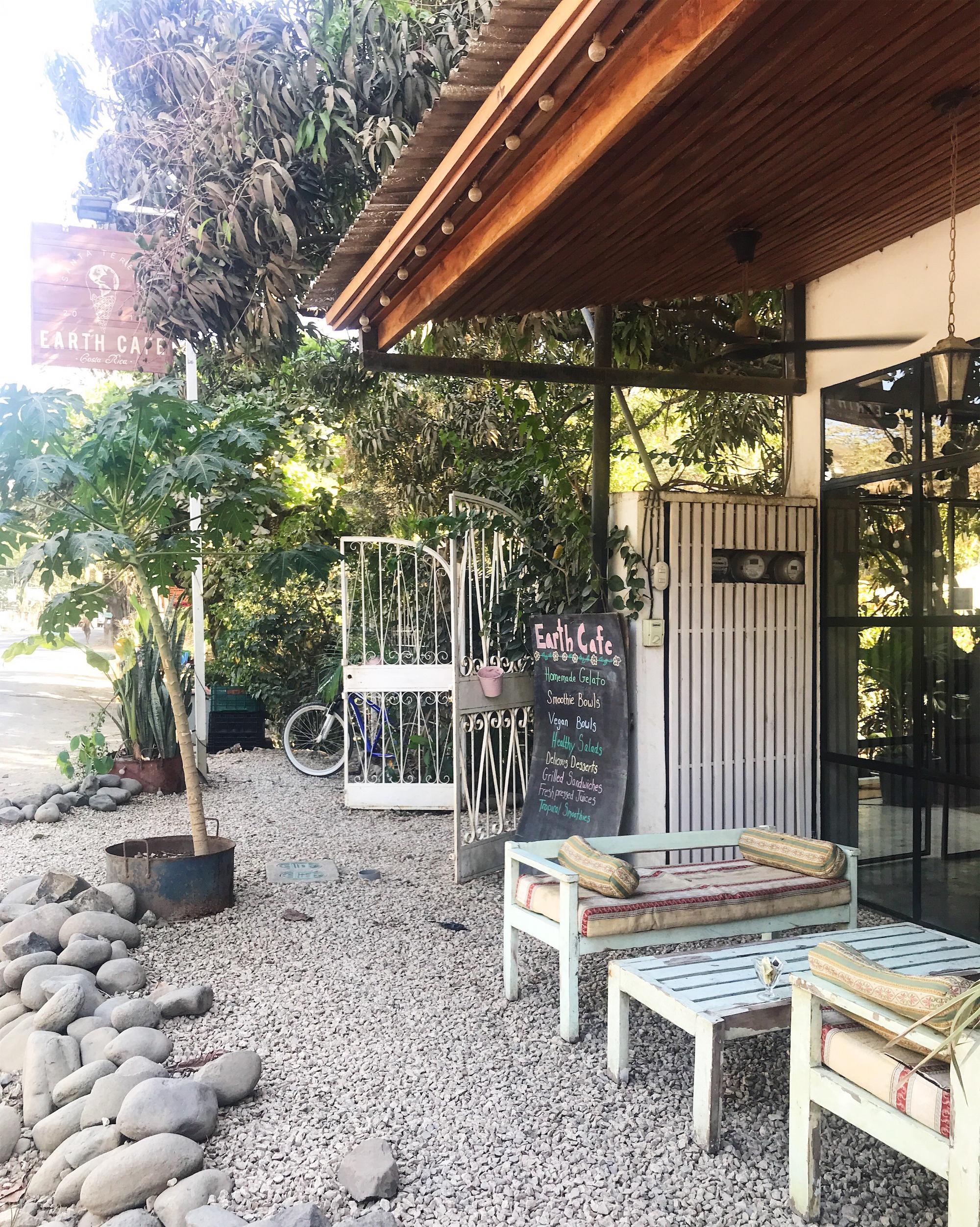 Earth Café Santa Teresa