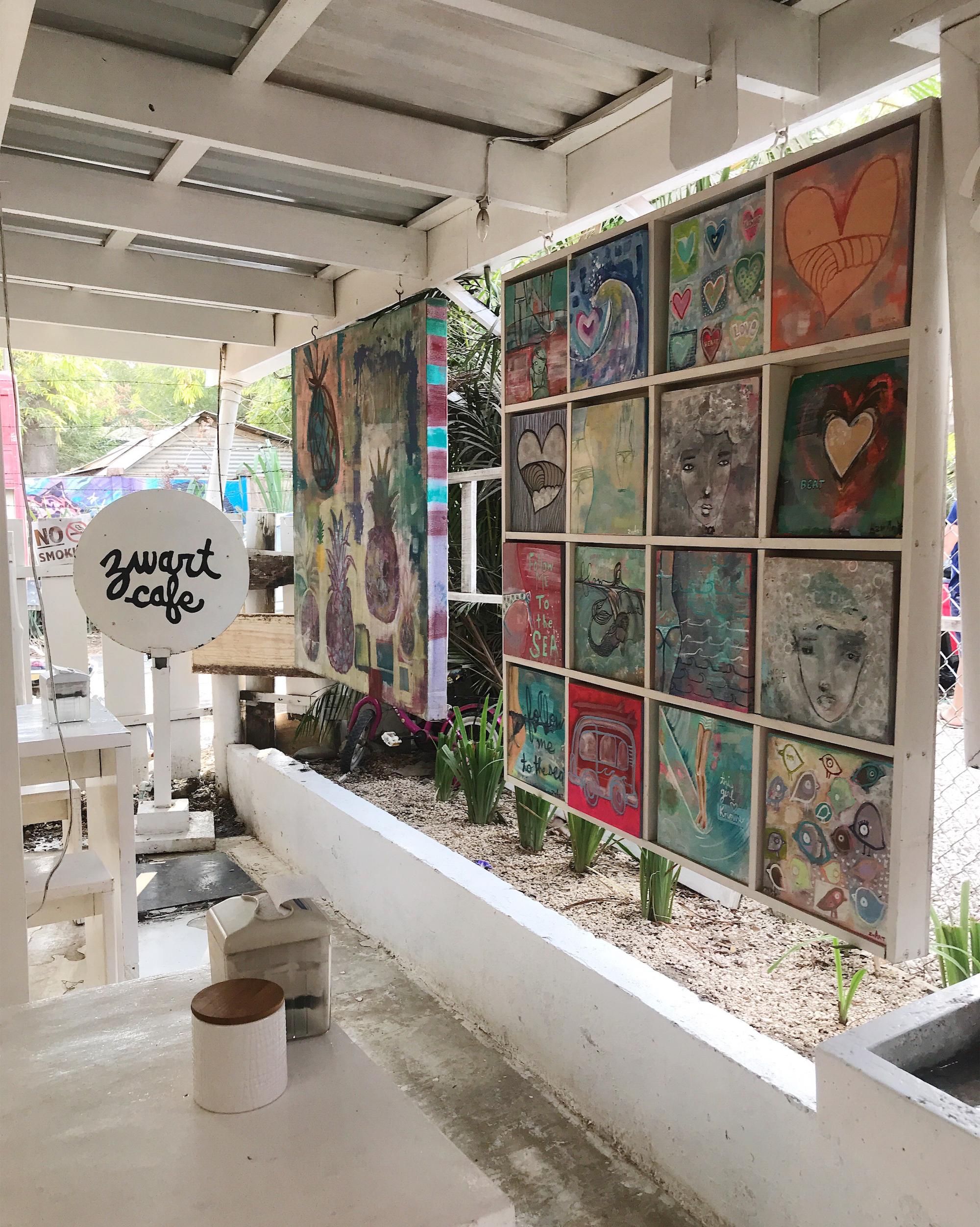 Zwart Art Café Santa Teresa
