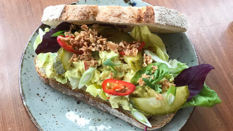 Rauwdouwer | Kip-kerrie salade
