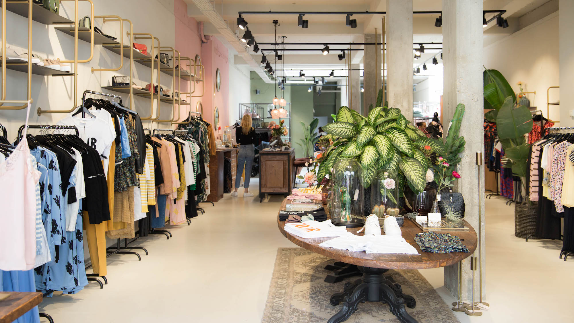 Unconventional Wardrobe: The Fashion Boutique